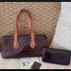 LOUIS VUITTON Vernis purse with matching wallet